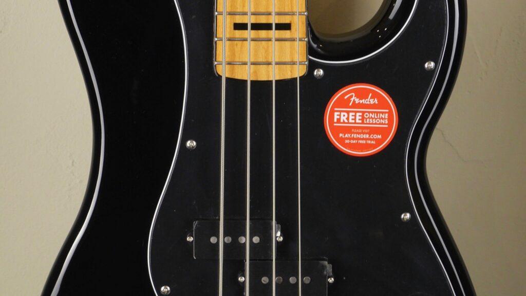 Squier by Fender 70 Precision Bass Classic Vibe Black con custodia Fender in omaggio