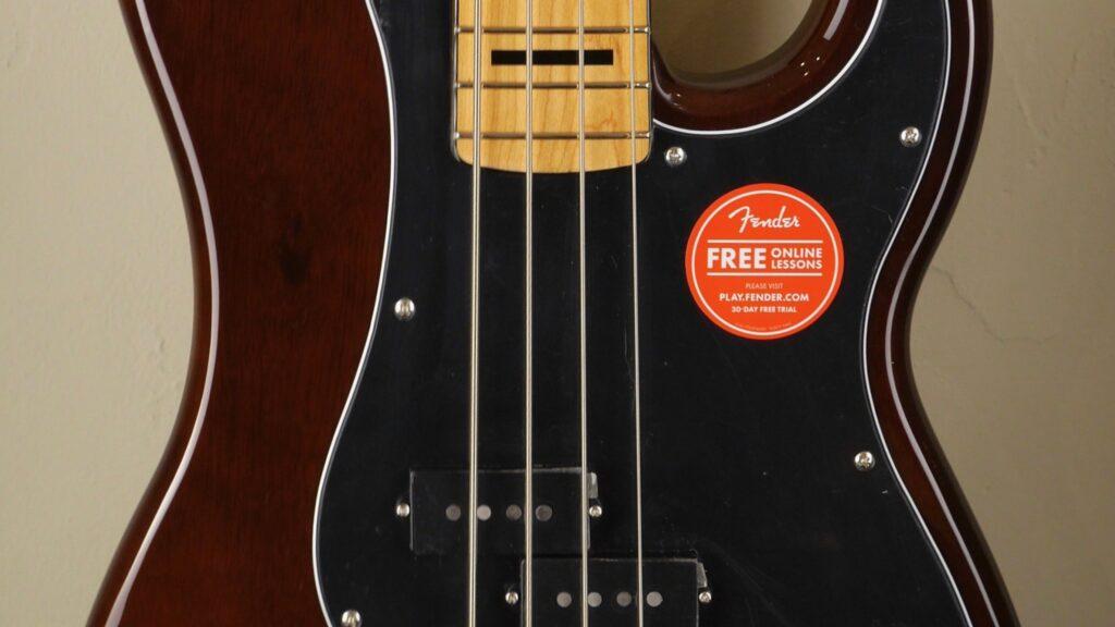 Squier by Fender 70 Precision Bass Classic Vibe Walnut con custodia Fender in omaggio
