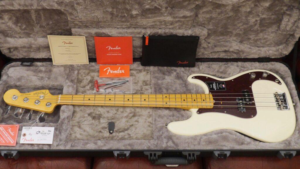 Fender Precision Bass American Professional II Olympic White MN Made in Usa inclusa custodia rigida Fender