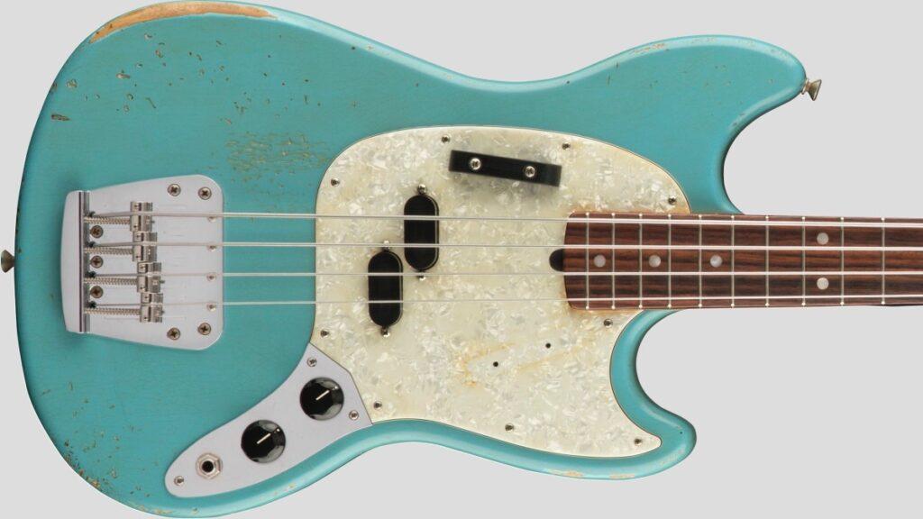 Fender JMJ Mustang Bass Road Worn Faded Daphne Blue 0144060390 Made in Mexico inclusa custodia Fender