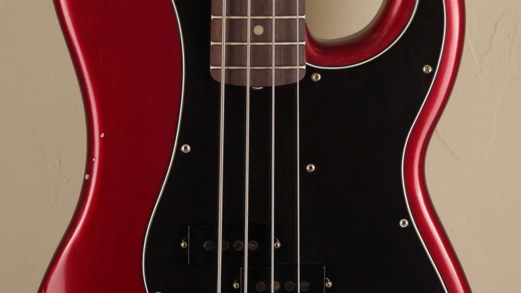 Fender Nate Mendel Precision Bass Road Worn Candy Apple Red 0142500309 Made in Mexico inclusa custodia Fender