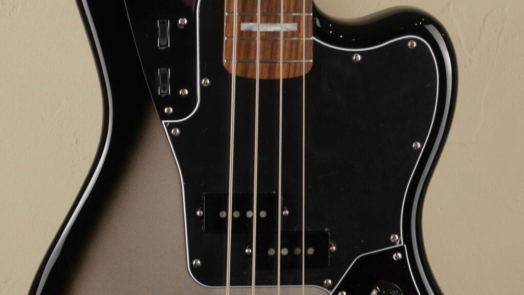 Fender Troy Sanders Jaguar Bass Silverburst 0143110391 Made in Mexico inclusa custodia Fender Gig Bag Deluxe