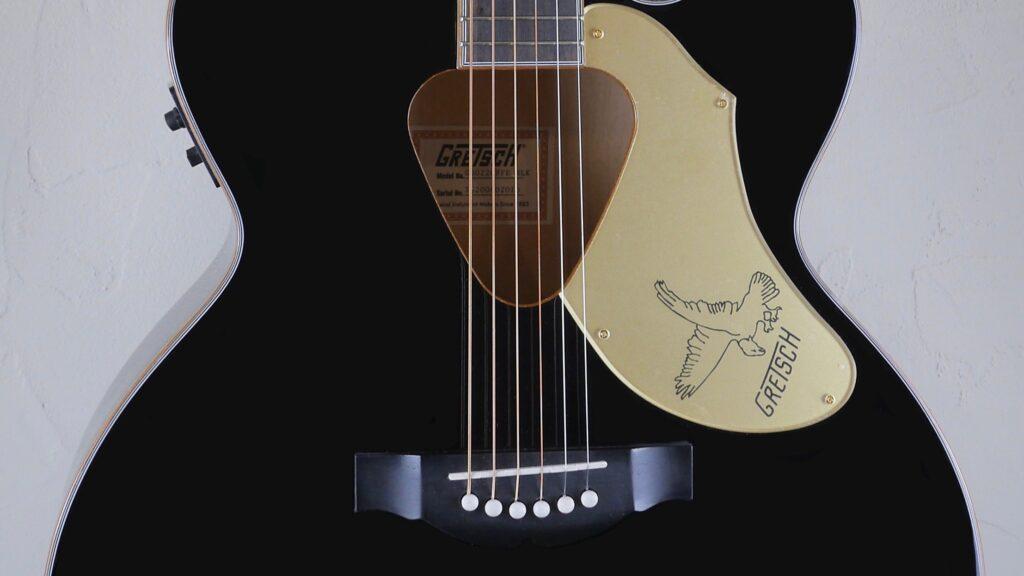 Gretsch G5022CBFE Rancher Falcon Jumbo Cutaway Black 2714024506 Made in Indonesia con custodia Fender in omaggio