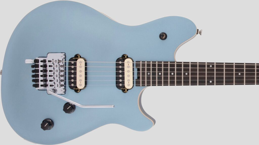 EVH Wolfgang Special Ebony Fingerboard Ice Blue Metallic 5107701513 con custodia Fender in omaggio